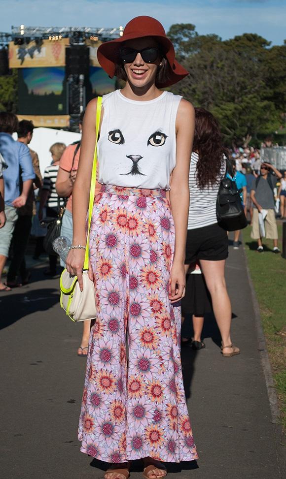 blusa gato floreada