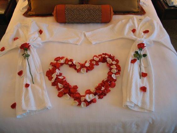 petalas na cama roupão