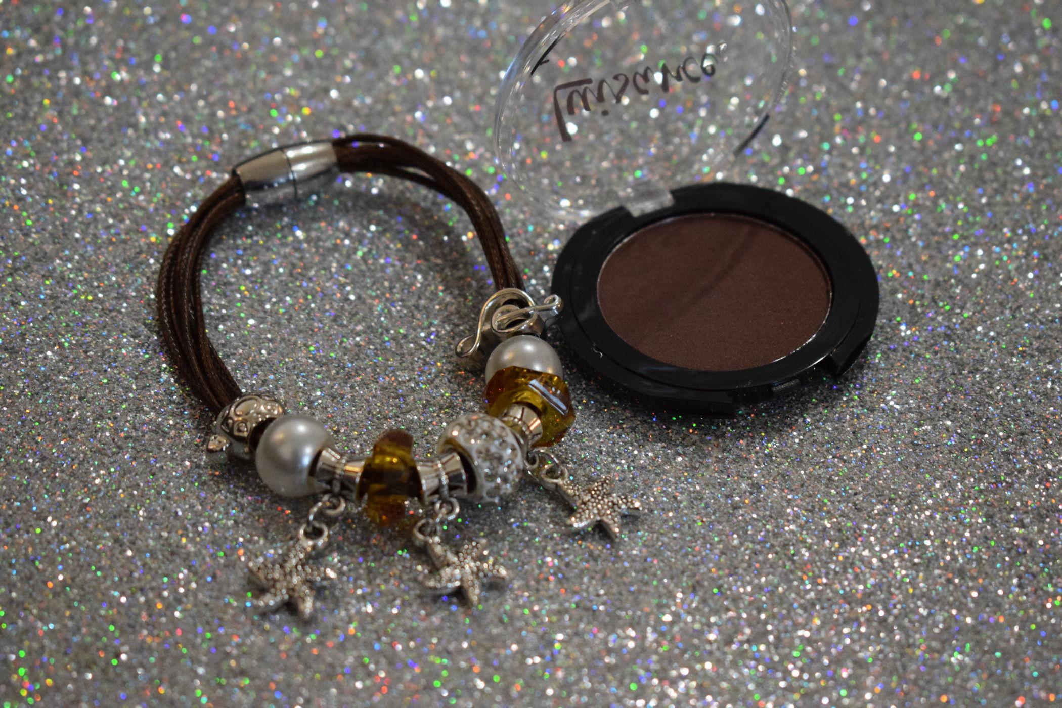 pulseira e sombra