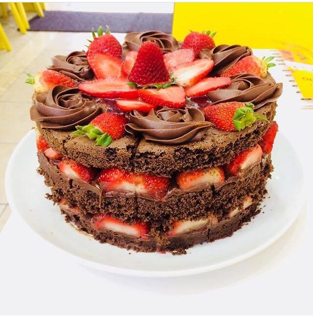 naked cake okay cafe tortas